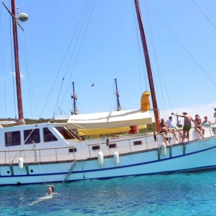 yacht 21977